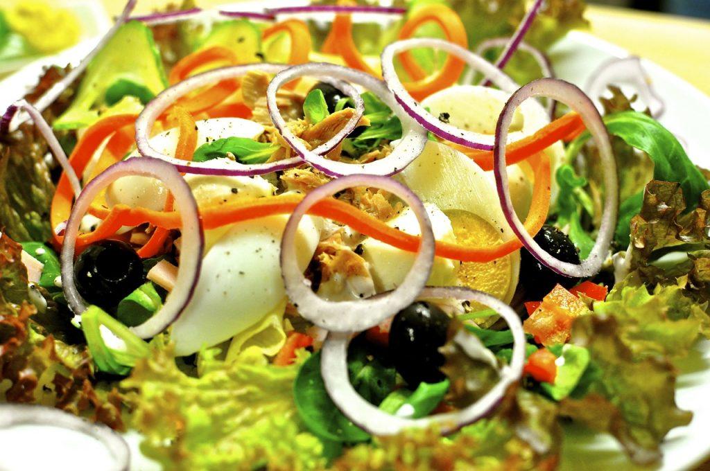 greek tuna-salad-plate