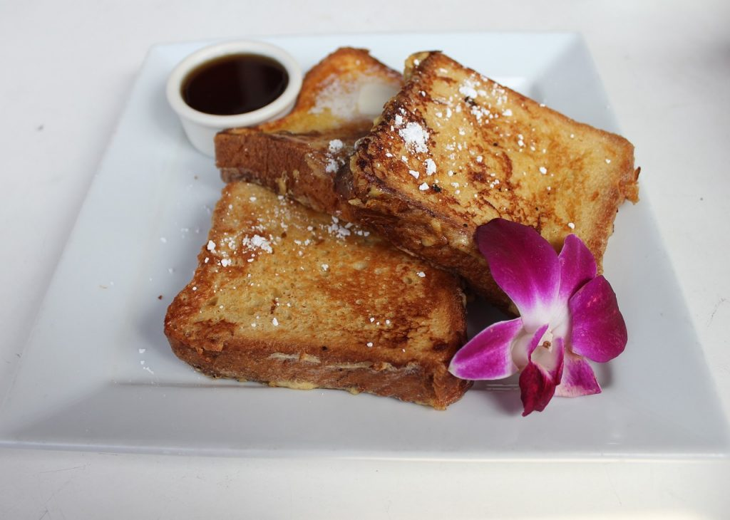 mothers-day-breakfast-ideas-classic-french-toast